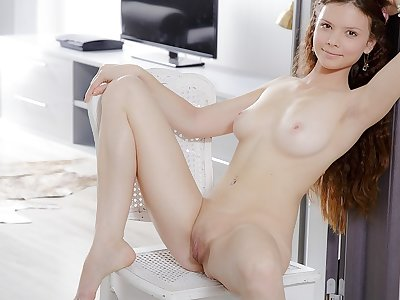 Mary in nice dame gets orgasmic